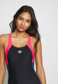 Arena - REN ONE PIECE - Swimsuit - black/fluo red/shark - 3