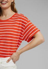 Esprit - Print T-shirt - orange - 3