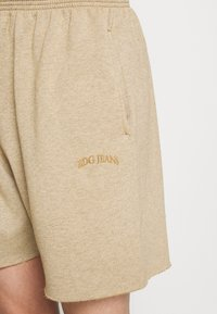 BDG Urban Outfitters - JOGGER UNISEX - Shorts - mustard - 4