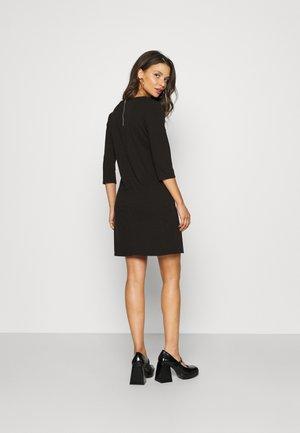 ONLBRILLIANT DRESS - Jerseykjoler - black