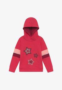 Blue Seven - KIDS STARS HOODIE - Hoodie - hochrot - 2