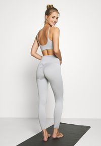 HIIT - LOXY RUCHED LEGGING - Tights - mid grey - 2