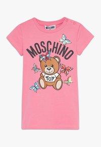 MOSCHINO - MAXI - Print T-shirt - dark pink - 0