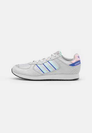 SPECIAL  - Sneakers laag - silver metallic/halo mint/sonic ink