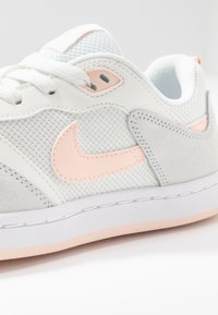 Nike SB - ALLEYOOP - Trainers - summit white/washed coral - 2