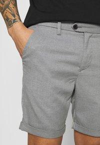 Jack & Jones PREMIUM - JJICONNOR - Shorts - grey melange - 5