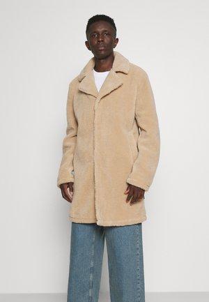 JONES - Winter coat - cornstalk