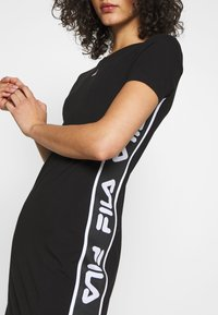 Fila - TANIEL TEE DRESS - Žerzejové šaty - black - 5