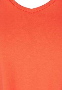 Zizzi - Basic T-shirt - coral - 4