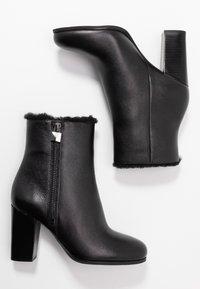 MICHAEL Michael Kors - FRENCHIE BOOTIE - Kotníková obuv na vysokém podpatku - black - 3