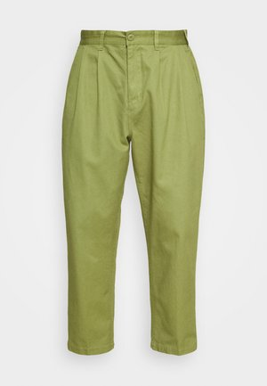 FUBAR PLEATED PANT - Trousers - burnt olive