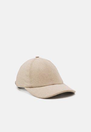 Cap - camel