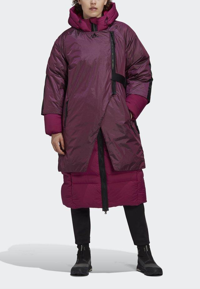 URBAN COLD.RDY OUTDOOR JACKET - Kabát zprachového peří - berry