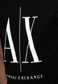Armani Exchange - T-shirt imprimé - black - 4