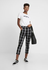 Hollister Co. - MEET GREET LOGO TEE - Print T-shirt - white - 1