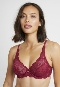 Triumph - AMOURETTE 300 - Underwired bra - ruby - 3