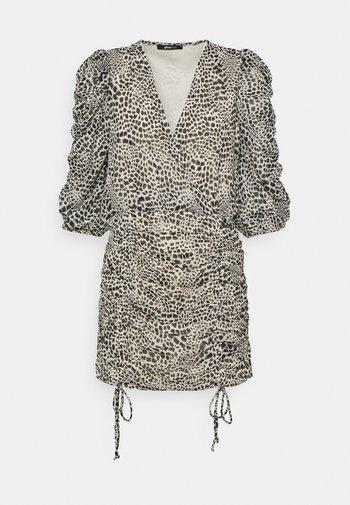 MICHELLE DRESS - Sukienka koktajlowa - white spot