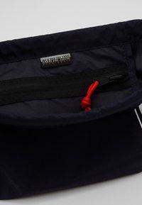 Napapijri - HACK GYM - Sportovní taška - blu marine - 2