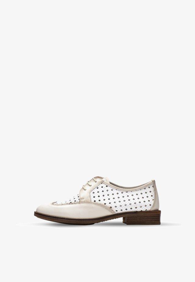 Šněrovací boty - white