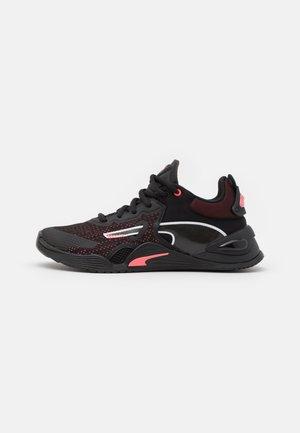 FUSE - Zapatillas de entrenamiento - black/ignite pink