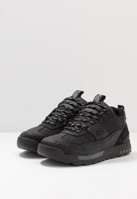 Lacoste - URBAN BREAKER - Baskets basses - black