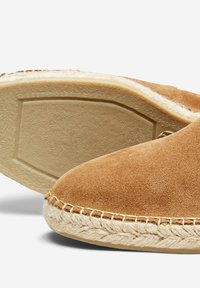 Selected Homme - SLHAJO - Espadrilles - sand - 5