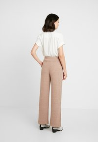 EDITED - HALI PANTS - Kalhoty - beige - 3