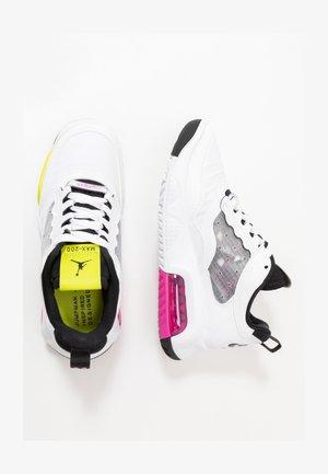 MAX 200 BG UNISEX - Basketball shoes - white/active fuchsia/cyber/black