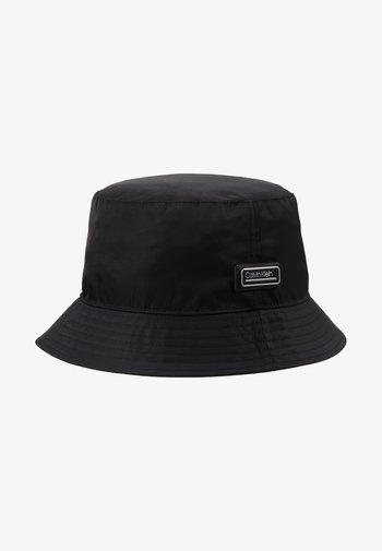PRIMARY BUCKET HAT - Hat - black