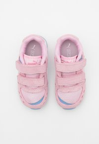 Puma - VISTA - Trainers - pink lady/white/forever blue - 3