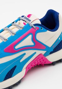 Reebok - AT CRAZE 2.0 - Trail running shoes - alabaster/pink/blue