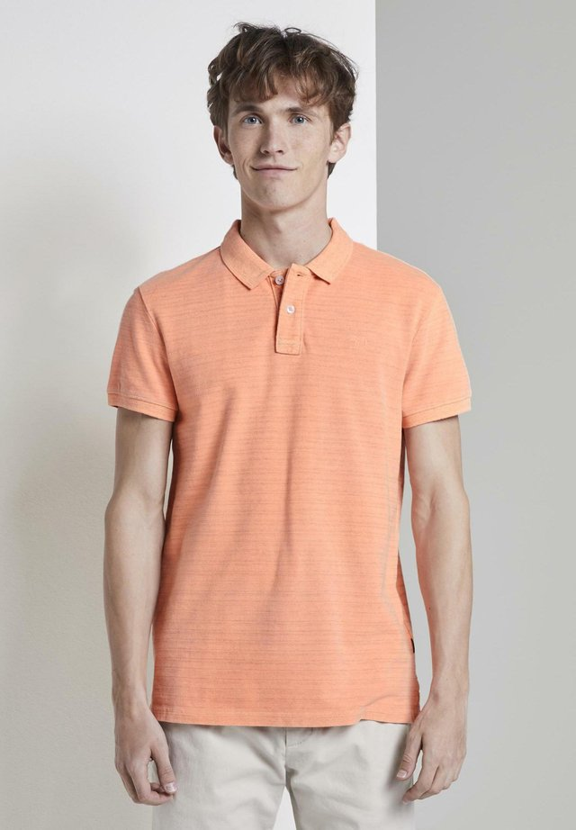 MIT STICKEREI - Polo - neon orange white melange
