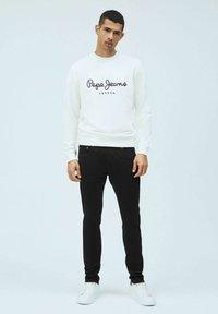 Pepe Jeans - GEORGE - Sweatshirt - blanco off - 1