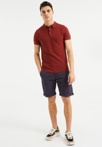 WE Fashion - MET STRUCTUUR - Poloshirt - red - 1