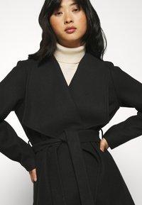 VILA PETITE - VICOOLEY COLLAR BELT COAT - Classic coat - black - 4