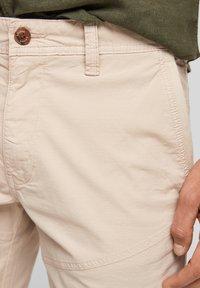 s.Oliver - Shorts - beige - 5