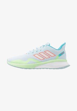 NOVAFVSE X - Neutrální běžecké boty - sky tint/footwear white/ash grey