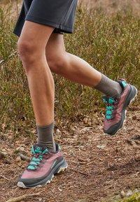 Merrell - MOAB SPEED - Zapatillas de trail running - burlwood - 4