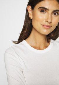 Esprit - CORE - T-shirt basic - off white - 5