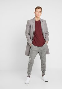 Abercrombie & Fitch - ICON  - Tracksuit bottoms - mid grey heather - 1