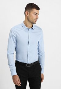 Pier One - 2 PACK - Formal shirt - white/light blue - 1