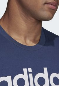 adidas Performance - ESSENTIALS LINEAR LOGO T-SHIRT - T-shirts med print - blue - 5