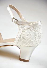 The Perfect Bridal Company - INGRID-SPITZE - Bridal shoes - ivory - 6