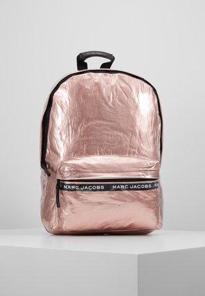 Tagesrucksack - pink copper
