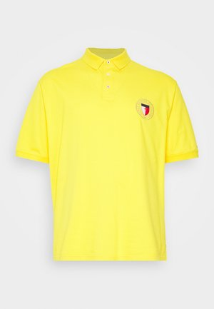 CREST CHEST  - Polo - yellow
