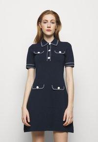 MICHAEL Michael Kors - CONTRAST STITCH BUTTON DRESS - Pletené šaty - midnight blue - 0