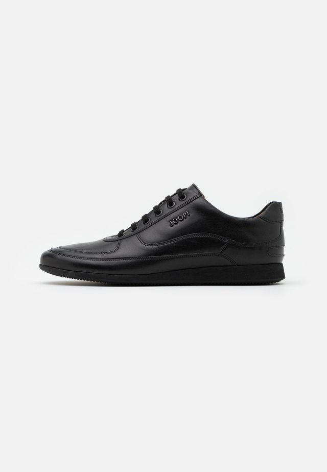 HERNAS - Sneakers - black