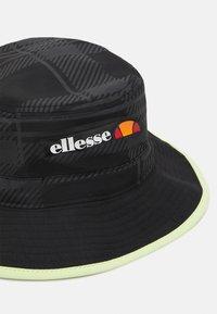 Ellesse - BORLIA BUCKET HAT UNISEX - Kapelusz - black - 3