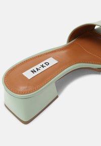 NA-KD - BASIC BLOCK HEELED MULES - Heeled mules - dusty green - 5