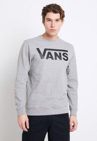 Vans - CLASSIC CREW - Sweatshirt - cement heather-black - 0